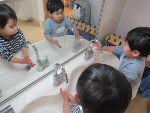 たくさんあそんだ後は手洗い