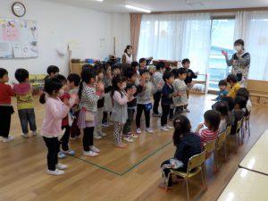 3歳のひよこ組のお部屋に遊びに行ったよ!